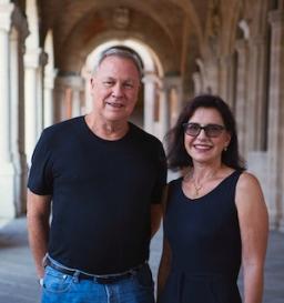 É hoje, quinta 5/07 no canal Arte1! Entrevista exclusiva de Serena Ucelli com o mais famoso diretor internacional de teatro – Bob Wilson