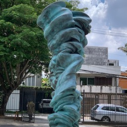 Tony Cragg no MUBE, imperdivel!