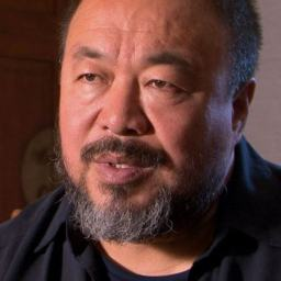 O artista chinês Ai Weiwei ofendeu todos os italianos