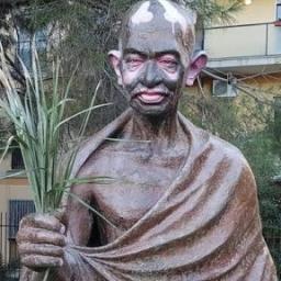 Até tu Gandhi